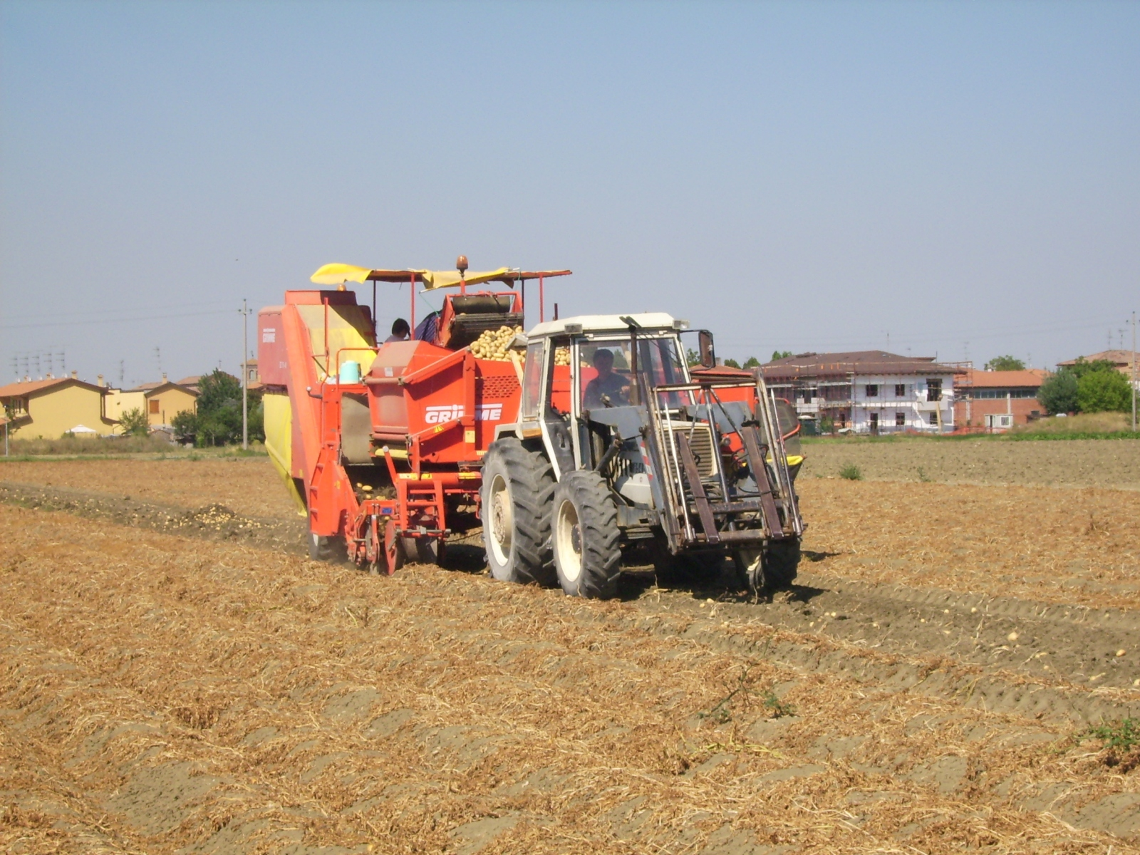 Mmt album macchine da cantiere camion gru trattori for Raccolta patate