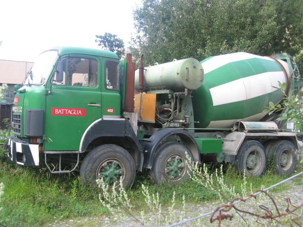 Saurer D330 Battaglia